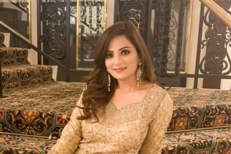 Zanib Naveed đăng quang Miss Pakistan World năm 2012. Ảnh: Facebook.