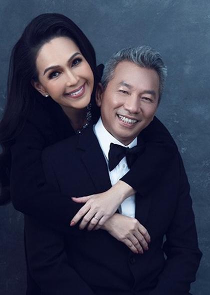 Vợ chồng Diễm My chụp bộ ảnh kỷ niệm 25 năm ngày cưới hồi tháng 9. Ảnh: D.M.