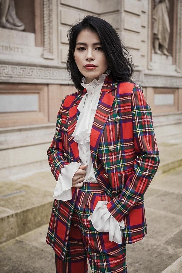 Con phố Savile Row,nơi khởi nguồn của những bộ vest may đo dành cho giới thượng lưu ở Luân Đôn, là một trong những điểm dừng chân của I Hate Fashion trong hành trình sáng tạoBTS này.