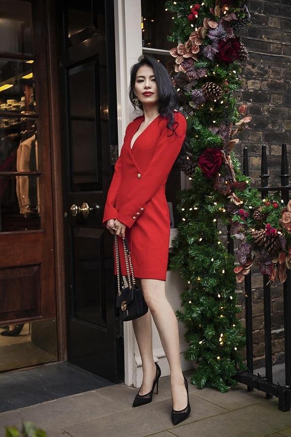 Thiết kế vest váy cá tính mà vẫnmềm mại là điểm nhấn cho bộ sưutập.