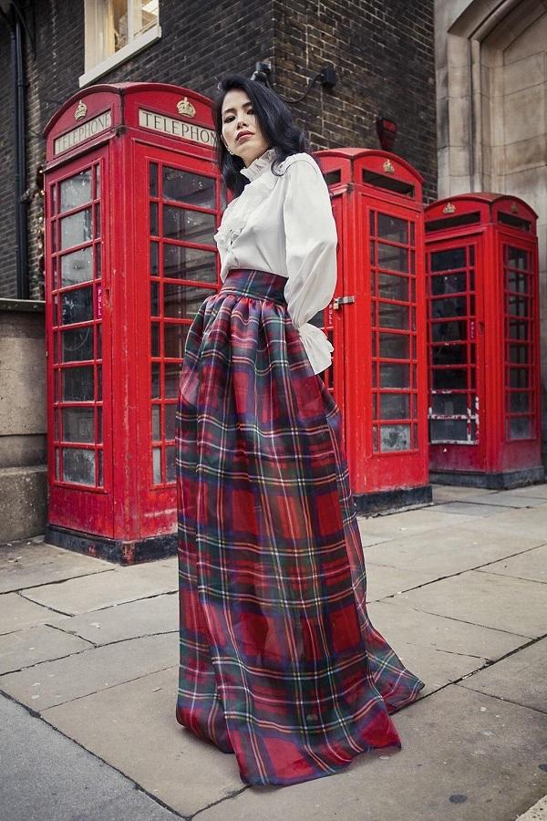 Với thế mạnh về phát triển hoạ tiết, mùa đông này, I Hate Fashionmang hơi thở Anh Quốc đến gần hơn với khách hàng qua hoạ tiết kẻ sọc Royal Stewart của dòng họ hoàng tộc - Stewart.