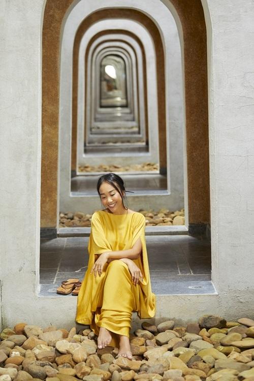 Đoan Trang thích thiền, yoga và sống chậm để cảm nhận mọi thứ quanh mình rõ nhất.