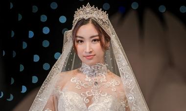 Đỗ Mỹ Linh diễn váy cưới