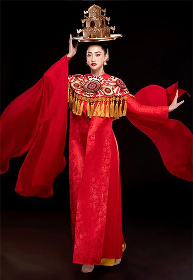 Thùy Linh chọn trang phục của nhà thiết kế Thủy Nguyễn cho màn diễn. Ảnh: Lê Thiện Viễn.