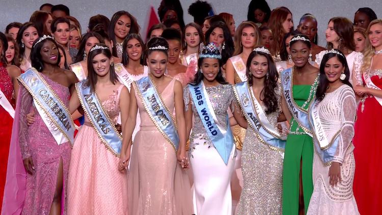 Hoa hậu và dàn người đẹp đoạt giải Hoa hậu Châu lục. Ảnh: MW.
