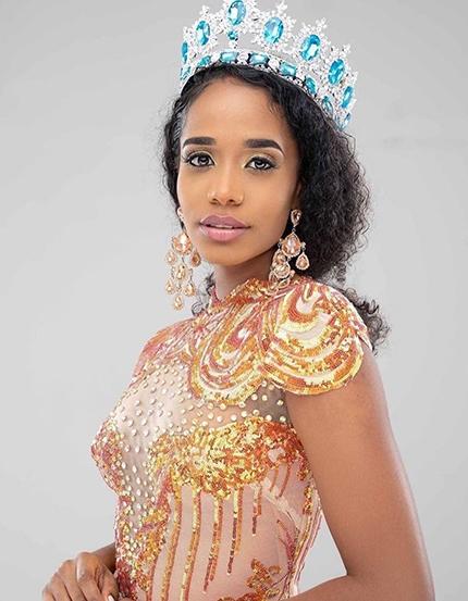Cô mới đăng quang cuộc thiMiss Jamaica World hai tháng trước, được khán giả nước nhà ca tụng là một trong những ứng cử viên mạnh nhất của Jamaica tại đấu trường Miss World.