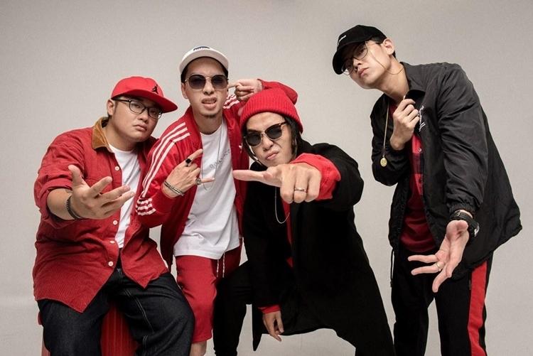 Nhóm nhạc Da Lab cho biết sẽ mang lên sân khấu bản mashup Một nhà - bài ca tuổi trẻ cùng ca khúc Thời thanh xuân' và Nước mắt em lau bằng tình yêu mới.