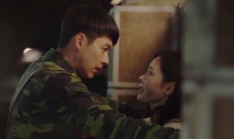 Son Ye Jin và Hyun Bin được khen đẹp đôi khi đóng chung phim. Ảnh: tvN.