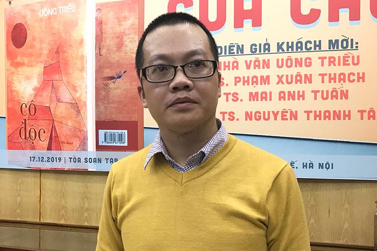 Nhà văn Uông Triều. Ảnh: Đạt Phan.