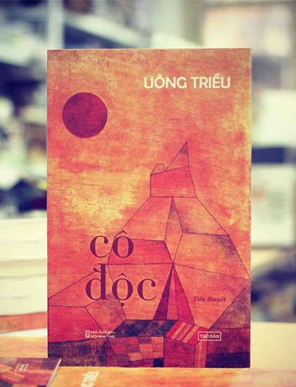 Bìa tiểu thuyết Cô độc. Ảnh: Tao Đàn.