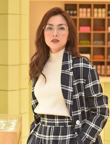 Tăng Thanh Hà cho biết cô vừa tăng hai kg sau thời gian bị sụt cân vì bệnh đau dạ dày.