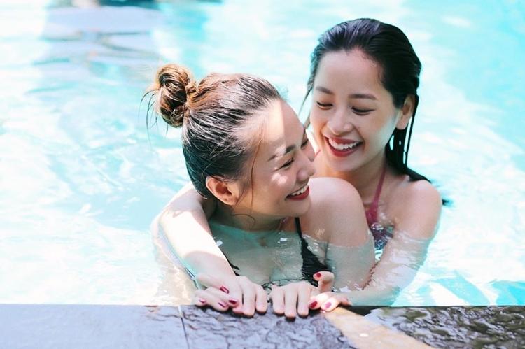 Chi Pu và Thanh Hằng thường xuyên trò chuyện, đi chơi cùng nhau để có cảm xúc thật khi nhập vai. Ảnh: T.H.