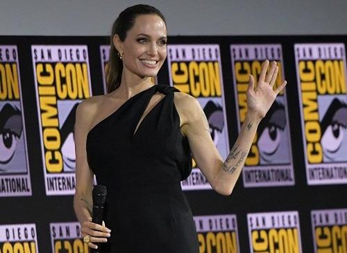 Angelina Jolie trong buổi giới thiệu phim The Eternals. Ảnh: AFP.