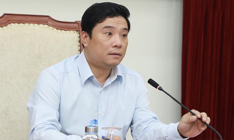 Ông Nguyễn Thái Bình - Chánh Văn phòng Bộ Văn hóa, Thể thao và Du lịch - trong buổi họp sáng 3/1. Ảnh: Minh Khánh.
