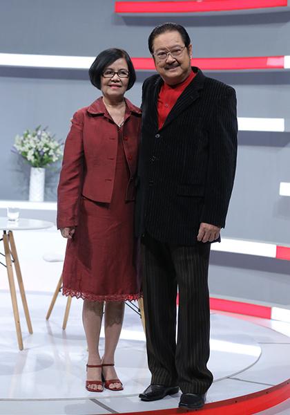 Chánh Tín và vợ - ca sĩ Bích Trâm - trong một lần đi quay show năm 2018.