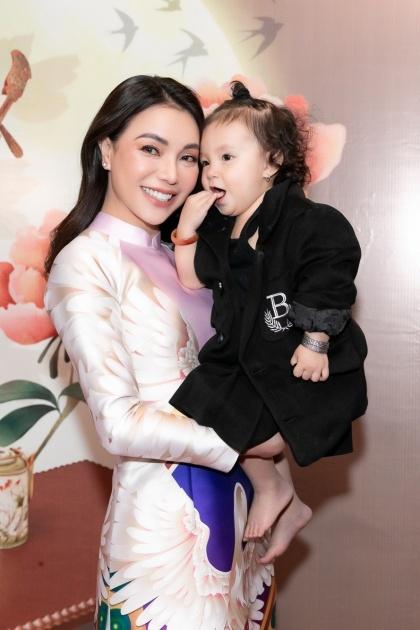 Trà Ngọc Hằng và con gái. Ảnh: Hải Nguyễn.
