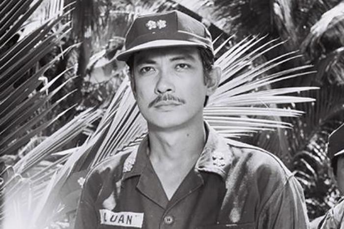Nguyễn Chánh Tín trong Ván bài lật ngửa. Ảnh: hãng phim Giải Phóng.