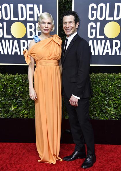 Michelle Williams và chồng sắp cưới -đạo diễn Thomas Kail trên thảm đỏ. Ảnh:Justjared.