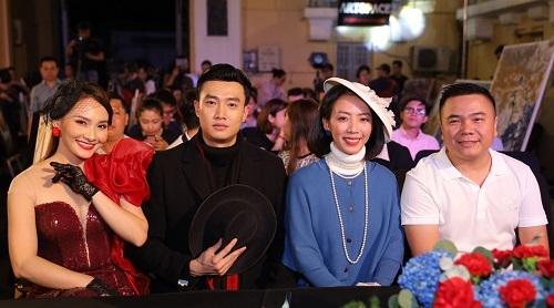 Từ trái sang: Bảo Thanh, Quốc Trường, Thu Trang và đạo diễn Quốc Trung ở buổi giới thiệu phim. Ảnh: Galaxy.