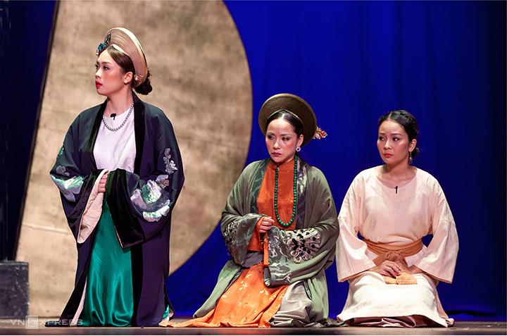 Vở Tấm và hoàng hậu sẽ được sân khấu Hồng Hạc mang đi lưu diễn tại Trường ĐH Võ Trường Toản (Hậu Giang) vào ngày 11 và 12/1/2020. Ảnh: Thịnh Lữ.