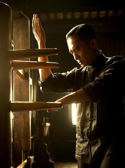 Nhất đại tông sư (2013) của đạo diễn Vương Gia Vệ xếp thứ chín. Tác phẩm quy tụ dàn diễn viênLương Triều Vỹ, Chương Tử Di, Trương Chấn,Song Hye Kyo, kể cuộc đời võ sưDiệp Vấn.