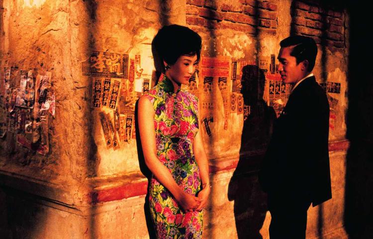 Tâm trạng khi yêu của đạo diễn Vương Gia Vệ xếp thứ hai. Năm 2009, tác phẩm được CNN bình chọn là phim châu Á vĩ đại nhất mọi thời. Tác phẩm xếp thứ ba trong danh sách 100 phim điện ảnh được yêu thích nhất thế kỷ 20, do độc giả tạp chí Empire (Anh) bình chọn.