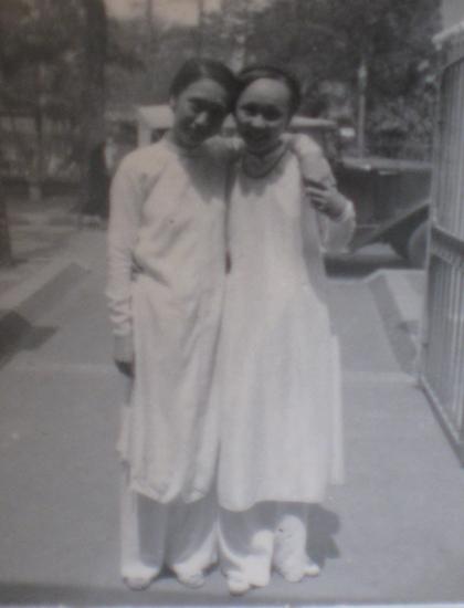 Hai chị em bà Thái Thị Lang (trái) và Thái Thị Liên.