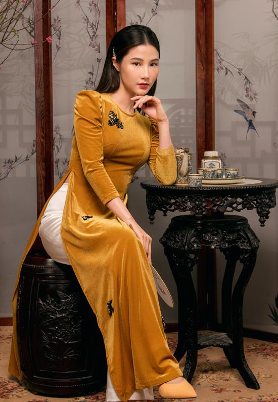 Diễm My 9x, Thùy Anh diện áo dài xuân