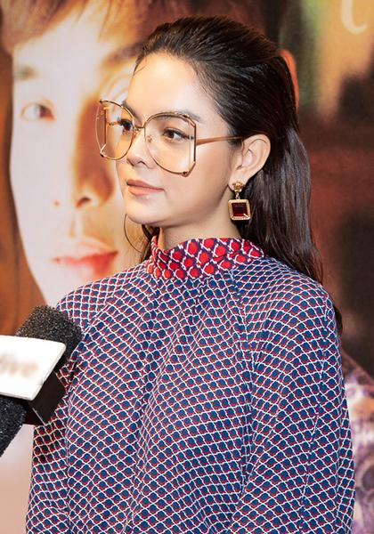 Phạm Quỳnh Anh kểnhững sai sót của bản thân với bố mẹ ngày Tết trong buổi ra mắt MV ngày 16/1 tại TP HCM. Ảnh: Nhật Duy.