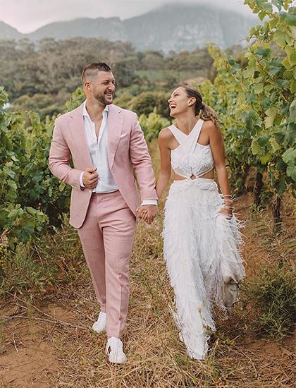 Demi-Leigh Nel-Peters làm đám cưới tại quê nhà Nam Phi. Ảnh: Instagram.
