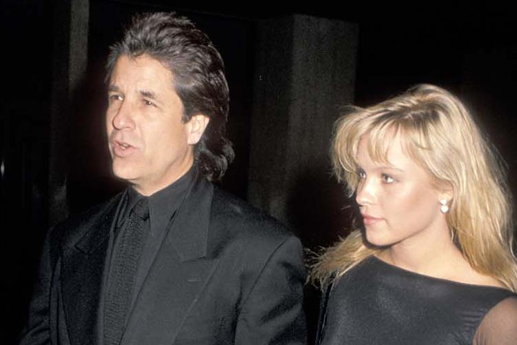 Pamela Anderson và Jon Peters cùng dự lễ ra mắt phim năm 1989. Ảnh: HR.