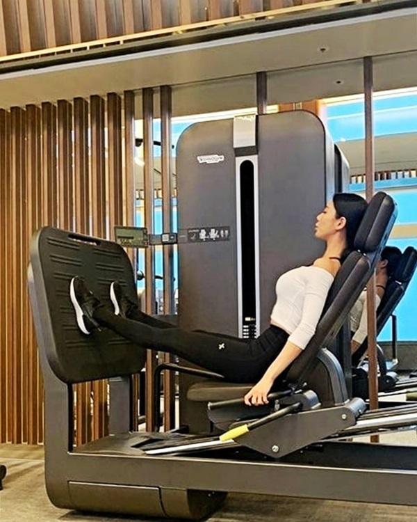 'Bom sex Hàn Quốc' chăm tập gym