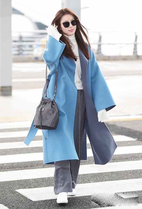 'Mỹ nhân cười đẹp nhất Hàn Quốc' mê trench coat