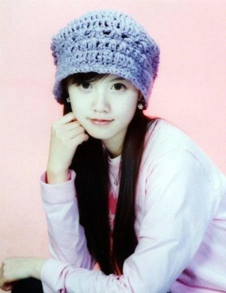 12 tuổi, Hye Sun nổi bật nhấtlớp nhờ học tốt, diện mạo hài hòa và làn da trắng sáng.