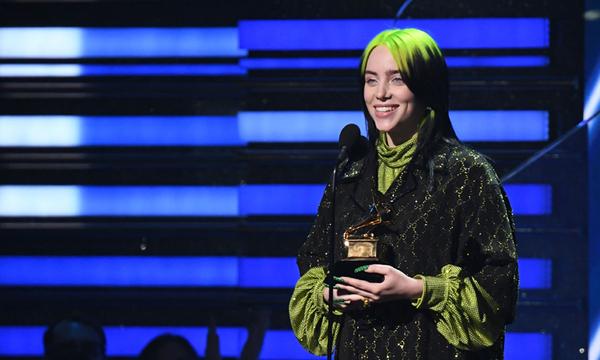 Billie Eilish nhận giải Grammy Ca khúc của năm. Ảnh: AFP.