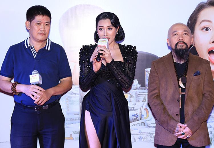 Từ trái qua: Phước Sang, Yaya Trương Nhi - diễn viên phim, nhà sản xuất phim Dương Chí Công. Ảnh: