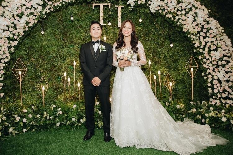 Tuyết Lan và chồng trong đám cưới.