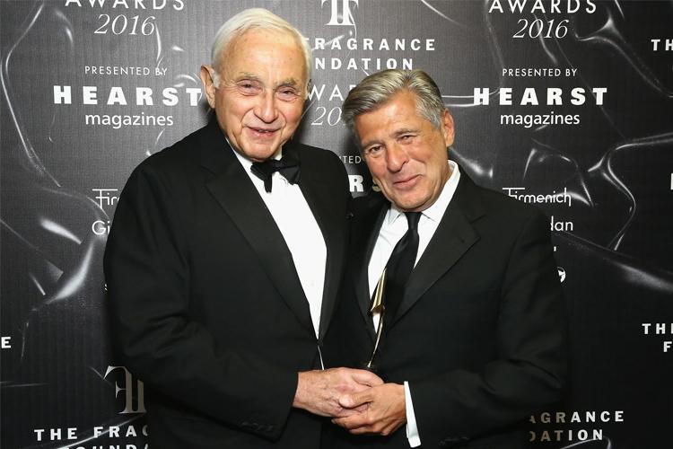 Ed Razek (phải) và chủ tịch L Brands - ông Les Wexner. Ảnh: