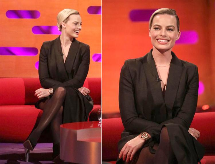 Margot Robbie khi ghi hình show truyền hình.