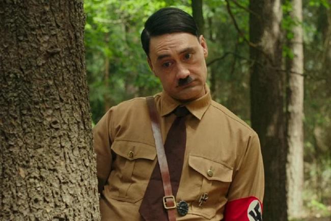 Tạo hình Hitler trong phim. Ảnh: Fox.