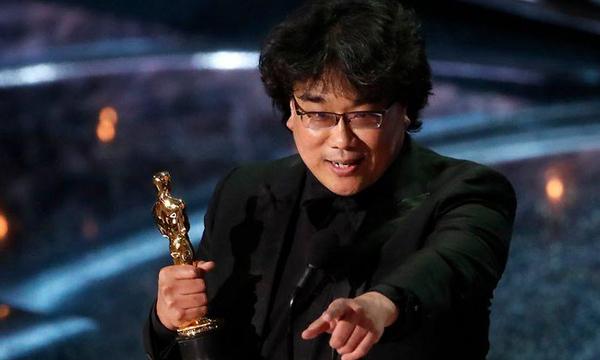 Bong Joon-ho tri ân, khen ngợi nhiều nhà làm phim ở giải đạo diễn. Ảnh: Reuters.