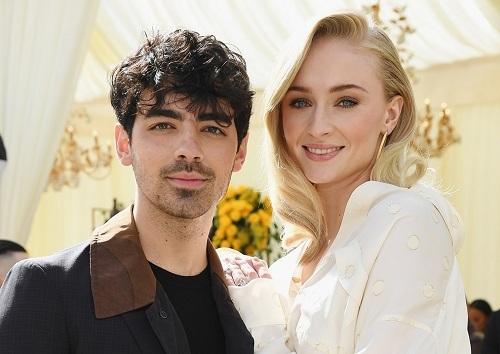 Vợ chồng Sophie Turner và Nick Jonas. Ảnh: Teen Vogue.