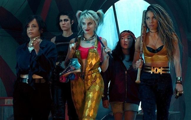 Từ trái sang: Renee Montoya (Rosie Perez đóng),Huntress (Mary Elizabeth Winstead), Harley Quinn, Cassandra Cain (Ella Jay Basco) và Black Canary (Jurnee Smollett-Bell). Ảnh: Warner Bros.