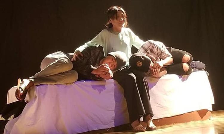 Diễn viên Phương Trang trong vở Con nhà nghèo do nghệ sĩ Đại Nghĩa dàn dựng dựa trên tác phẩm của nhà văn Hồ Biểu Chánh. Ảnh: Đ.N.