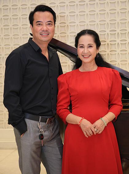 NSND Lan Hương (phải).
