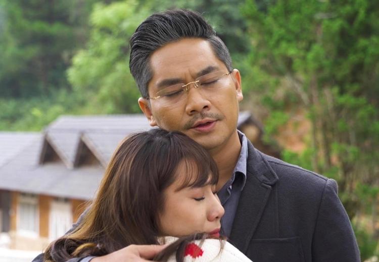 Minh Luân và Hồ Bích Trâm đóng vai cha - con trong phim mới. Ảnh: B.H.
