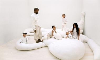 Biệt thự tối giản của vợ chồng Kim Kardashian