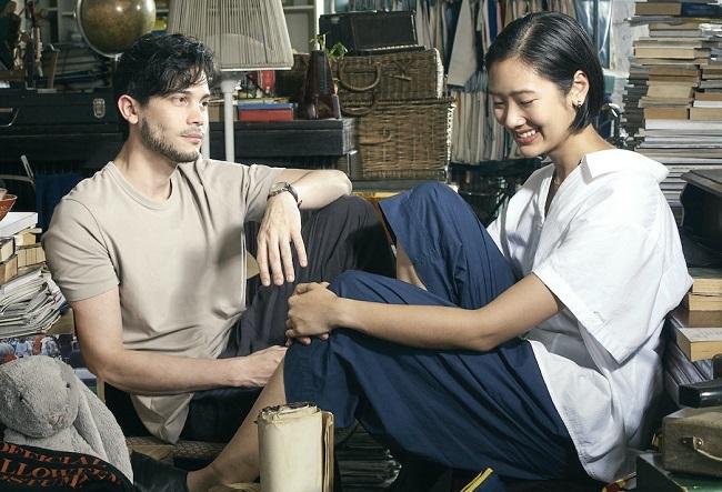 Sunny Suwanmethanont (trái) từng cộng tácđạo diễn Thamrongrattanarit trong Heart Attack và Die Tomorrow. Ảnh: Galaxy.