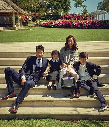 Kwon Sang Woo thường đưa vợ con đi du lịch khi có thời gian.Ảnh:Marie Claire.