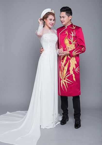 Minh Luân và Hồ Bích Trâm làm mẫu áo dài cưới năm 2017. Ảnh: M.L.